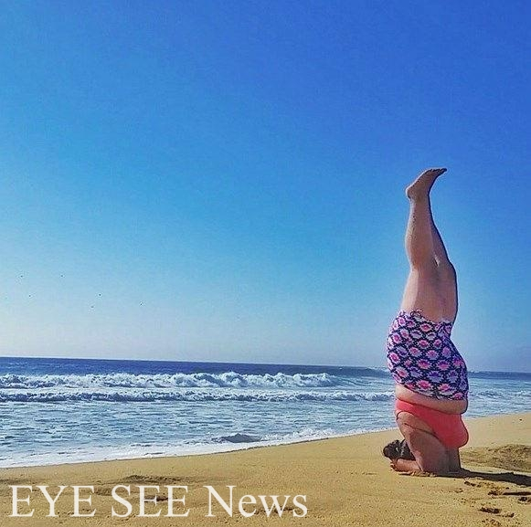 瓦萊麗喜歡討站高難度瑜伽動作。圖/網路