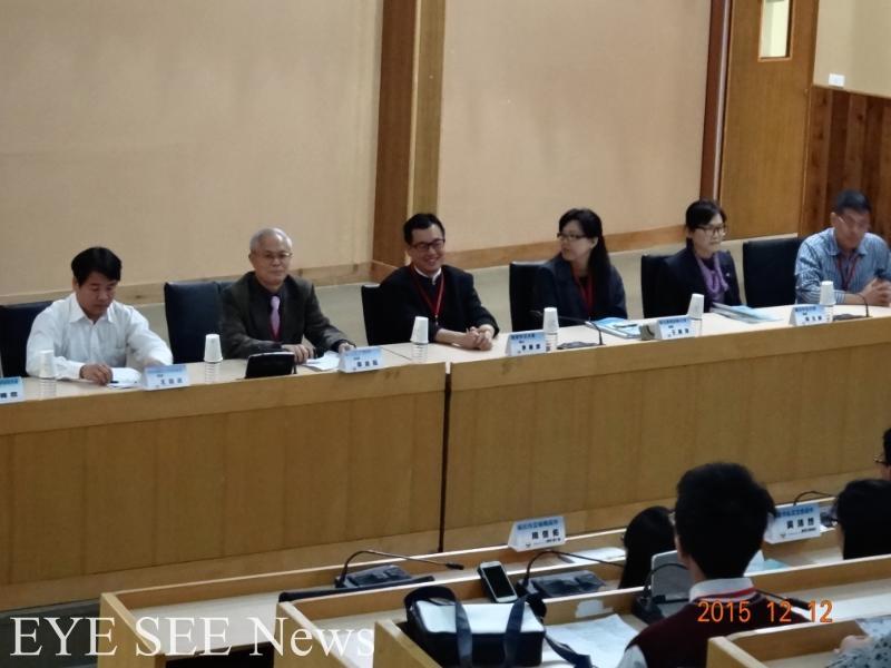 (由左至右依序為)國教署專員王勛民、興大附中校長韋金龍、來自香港的李雅言博士、台師大于曉平博士等。圖/鐘暄伊攝