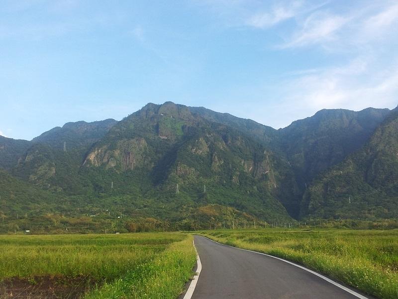 海岸山脈最美的山峰─金剛山。圖/林張凱耀提供
