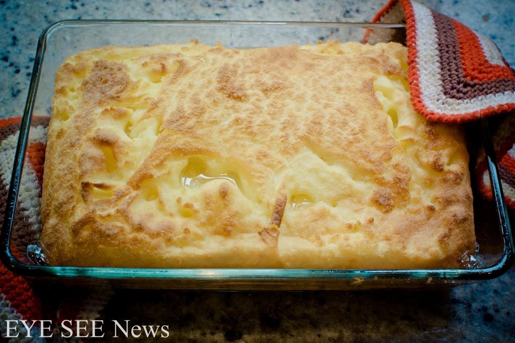 美國耶誕大餐種類非常豐盛,其中有一樣特別的甜品:烤玉米粥,上面會鋪上一層奶油,並放上一些果乾或切碎的水果。圖/網路