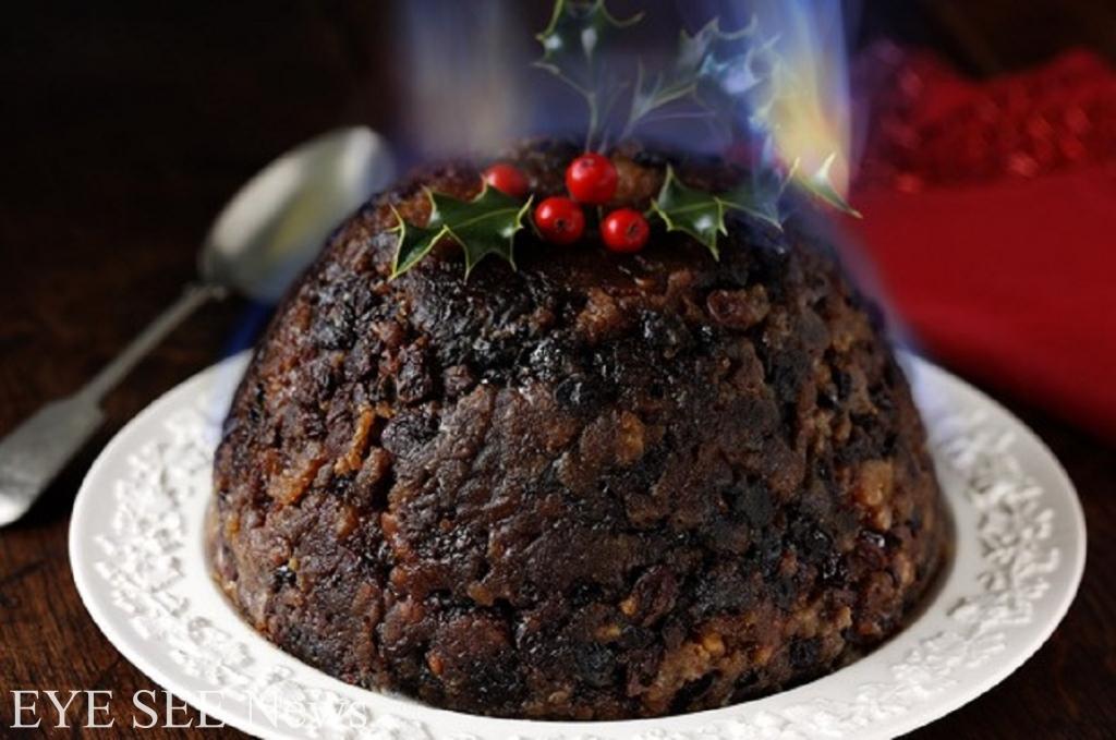 英國的耶誕布丁Christmas Pudding,跟一般認知的布丁不同,更相似於發糕。聖誕布丁源於傳統聖誕食物牛奶麥粥;每當聖誕節來臨,每位家庭成員都要共同製造一個耶誕布丁,象徵團結和諧,每個人在攪拌一下面團時,都會默默許下一個願望,最後還會在麵團裡藏一個硬幣,看誰獲得了這份幸運。圖/網路