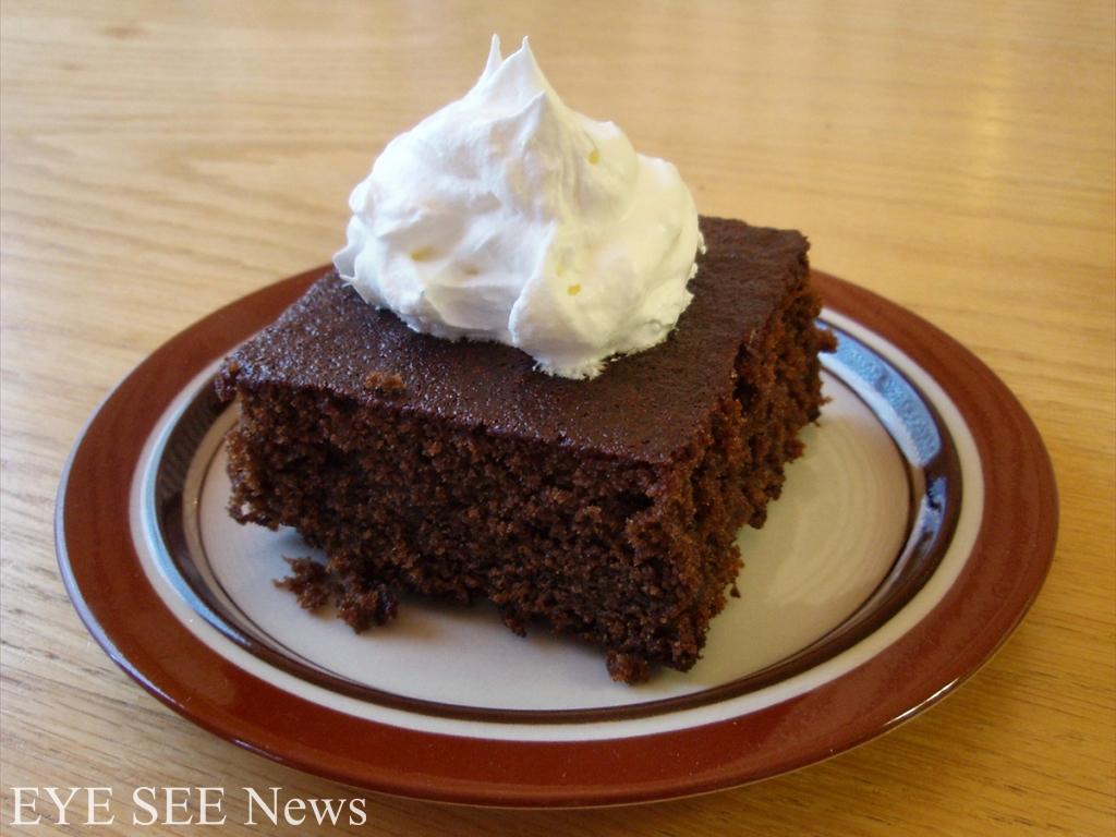 不像其他歐洲國家吃堅果或者水果蛋糕的波蘭人,除了罌粟蛋糕,聖誕節時也吃表面淋上巧克力的薑糕Piernik。這種薑糕可以追溯到中世紀,在波蘭的托倫博物館,還存有中世紀的烘焙模具。圖/網路