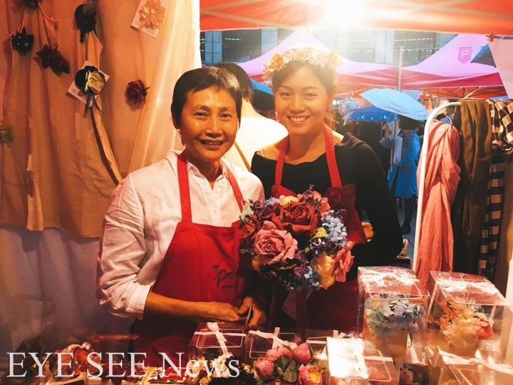 Posie Flowers創作者與其女兒 。圖/林智旻