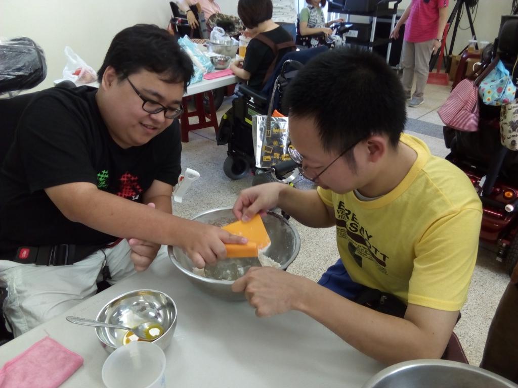 手作料理體驗。圖/國立中山大學提供